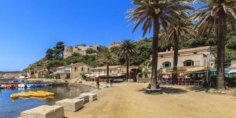 Séjour touristique à Hyères : tout savoir