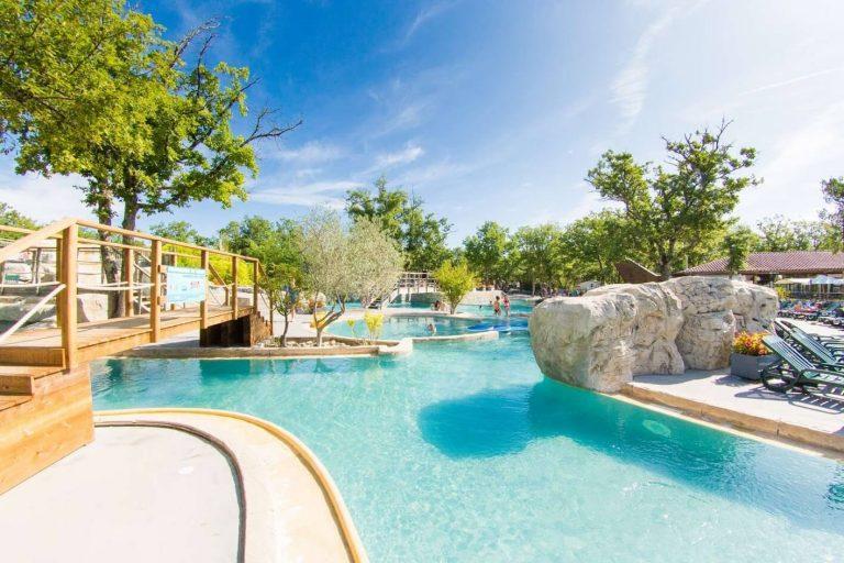 Les meilleurs campings en Ardeche avec parc aquatique